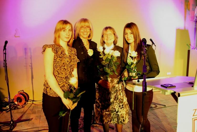 Mentees Anastasia Schweinfurt und Özlem Tekul mit ihren Zonta Mentorinnen Cornelia Helm und Gudrun Bock